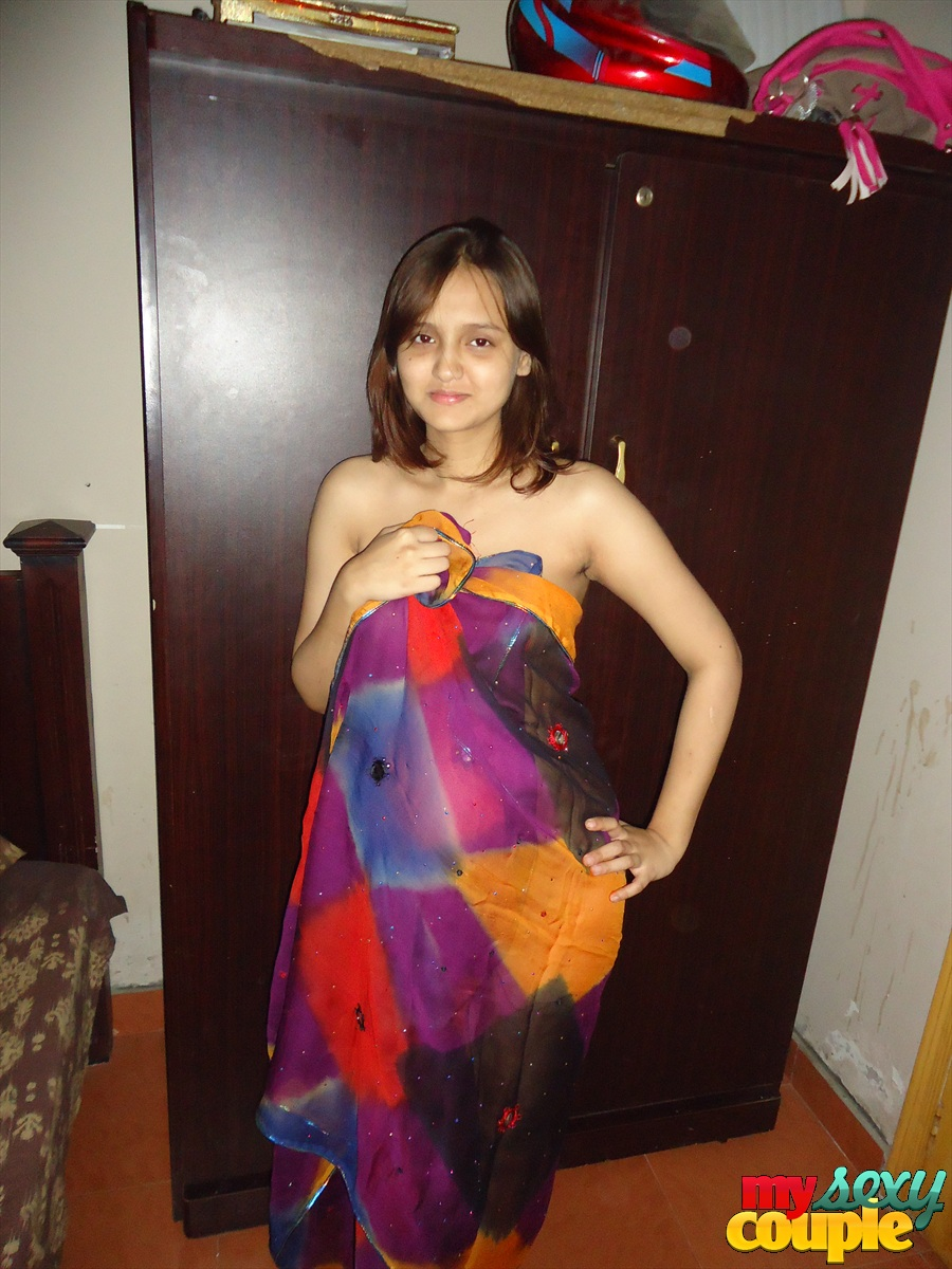 Pic gallery 12. Sonia in horny net dress showing off
